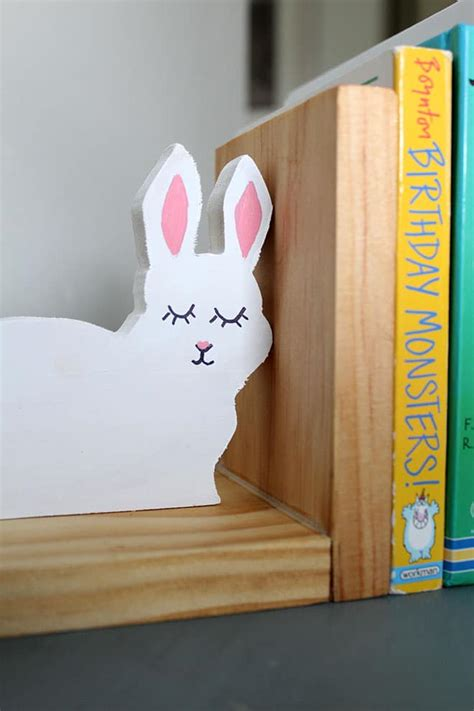 build wood bookends easy kids room diy project