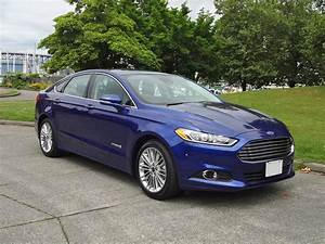 2015 Ford Fusion Hybrid SE Road Test Review CarCostCanada