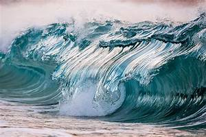 New Photographs of Crashing Ocean Waves Frozen in Time by ...