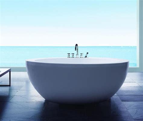 baignoire ilot pas cher salle de bain baignoire ilot barcelona baignoire ronde balneotherapie 150x150