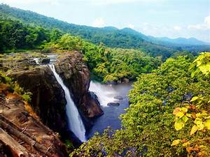 Large HD Wallpaper: ATHIRAPPALLI WATERFALL KERALA'S MOST ...