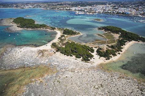 Isola Dei Conigli Porto Cesareo by Escursioni In Barca Tra Gallipoli E Porto Cesareo