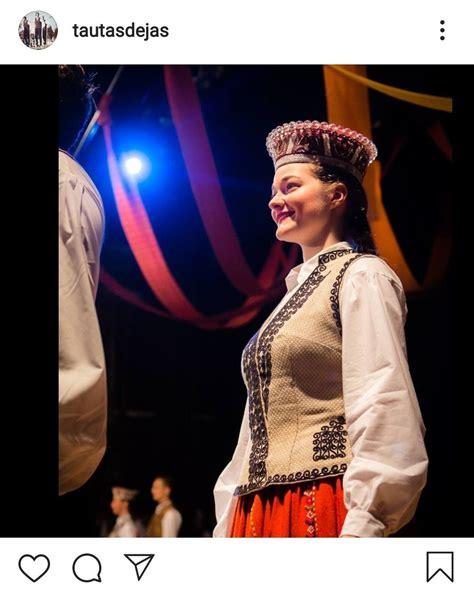 Latviešu tautas tērps | Festival captain hat, Fashion ...
