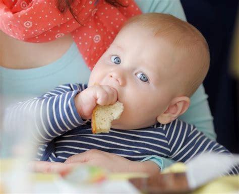 alimentazione 2 anni alimentazione dei bambini da 0 a 2 anni mamma felice