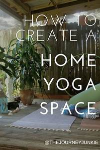 Yoga At Home : 17 best images about yoga meditation room on pinterest urban outfitters tapestries and boho ~ Orissabook.com Haus und Dekorationen