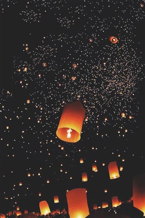 floating lantern festival chiang mai thailand