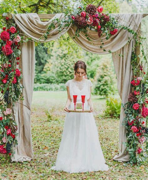 44 Unique & Stunning Wedding Backdrop Ideas Wedding