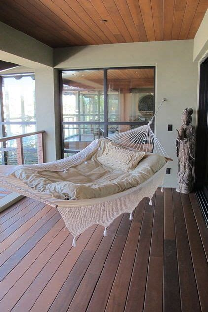 How To Hang A Hammock On A Porch by Best 25 Hammock Bed Ideas On Hanging Beds