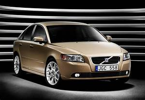 2010 Volvo S40 Review  Prices  U0026 Specs