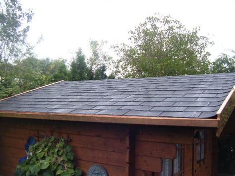 gartenhaus dachpappe schindeln verlegen dachpappe schindeln ortgang gestaltungsinspiration f 252 r