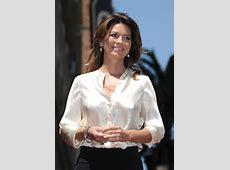 Shania Twain Nipping Out Bing images