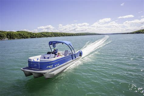 Avalon Pontoon Boat Problems by Boat Buyers Beware 10 Problems To Look For In Used