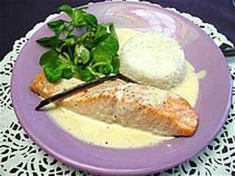cuisiner pavé de saumon poele recettes du pavé de saumon à la crème les recettes les