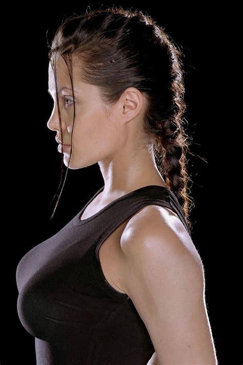 Global Buzz Times Angelina Jolie Bra Size And