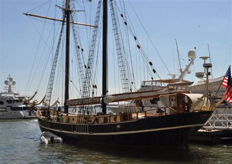 Jacht Unicorn by Unicorn Yacht Charter Superyacht News