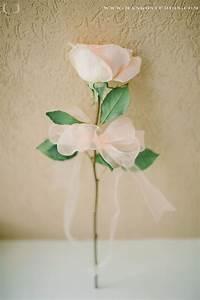 Einzelne Blume Vase : die besten 25 einzelne blume bouquet ideen auf pinterest einfache brautjungfer blumenstr u e ~ Indierocktalk.com Haus und Dekorationen