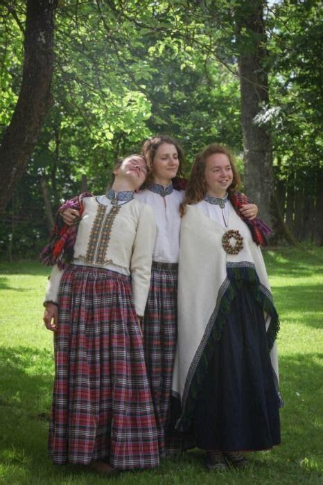 Kuldīgas tautas tērpi | National dress, Folk costume, Latvian