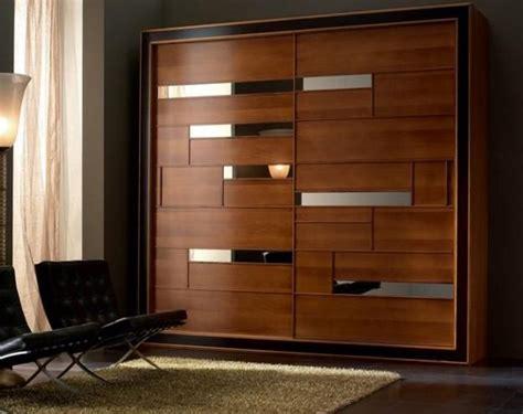 Hideaway Closet Doors by Sliding Closet Doors To Hide Storage Spaces And Create
