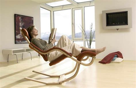 reading rocking chair pict comfortable chairs for reading homesfeed