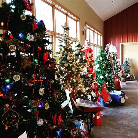 christmas tree decorating contest ideas trees along the trail 2016 winners legacy of the plains museum