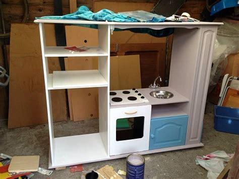 comment transformer  meuble tv en cuisiniere pour enfants