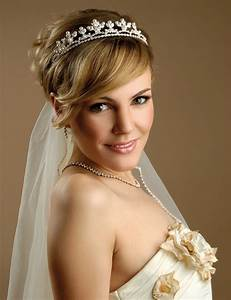 Stylish Hairstyle With Long And Short Hairs With Veil For