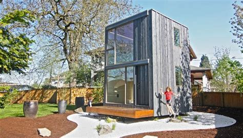 Haus Kaufen Ganze Schweiz by Drehbares Minihaus Nutzt Sonnenenergie