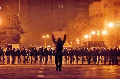 25 Iconic Photos of Egypt's January 25 Revolution ...