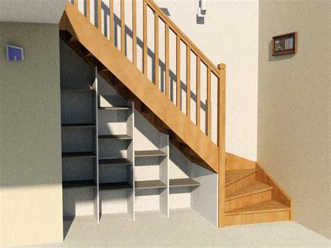 rangement sous escalier colimacon en  amenagement