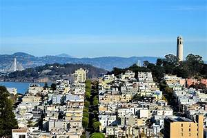 Telegraph Hill Neighborhood View in San Francisco ...
