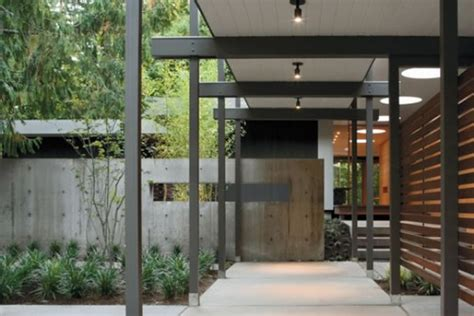 Exciting Home Entrance Design