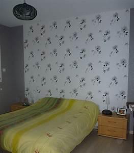 papier peint chambre adulte With déco chambre bébé pas cher avec salopette fleurie