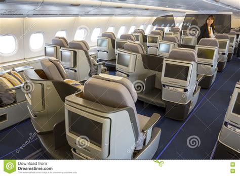 siege d avion avion d 39 airbus a380 à l 39 intérieur des sièges image stock
