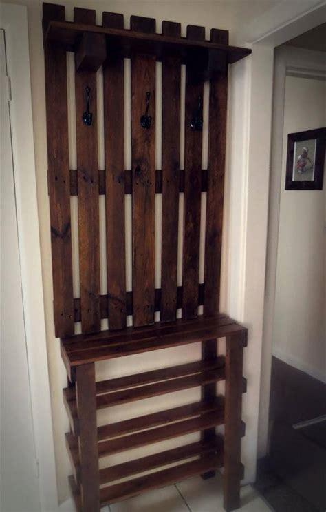 pallet wall hanger  shoe rack unit
