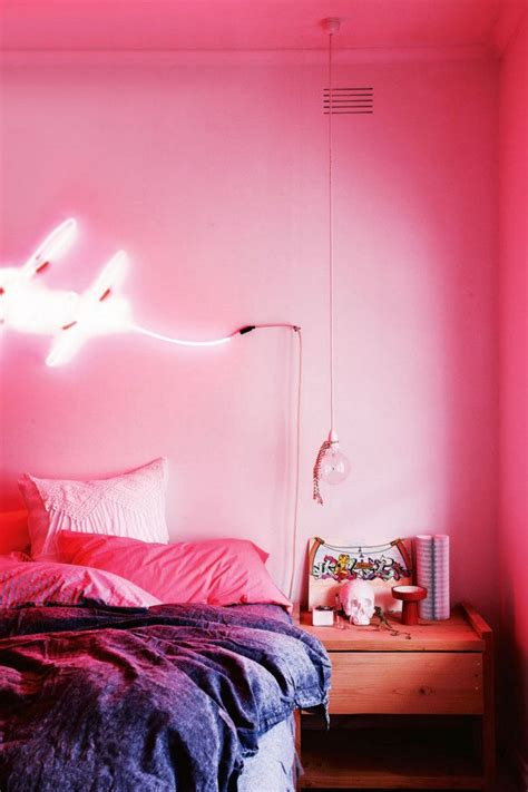 bedroom with pink walls 1000 ideas about pink bedroom walls on pinterest 14476 | 9dda944e25f090dbc1d09ed1d5b96807