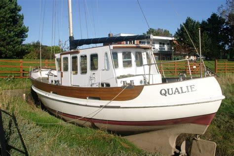 Over one hundred and forty have been built since her introduction in 1973. Fisher 37 Derivative - NOT FOR SALE, details for ...
