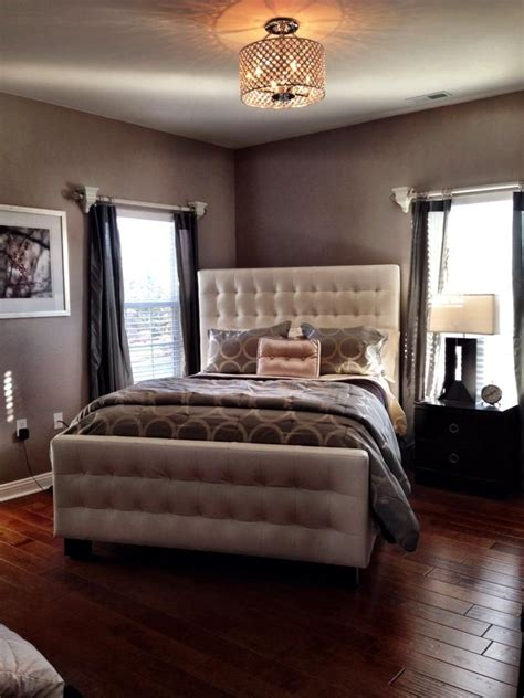 bedroom layouts for small rooms best 25 bed placement ideas on rug placement 18176 | 90686e64667308d9e8f83d0d47721d01 corner bed ideas corner beds