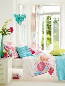 White bedroom with pops of color   Decor   Pinterest ...