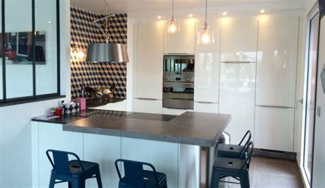 exemple de cuisine en u cuisine scandinave avec verriere modèle rive droite