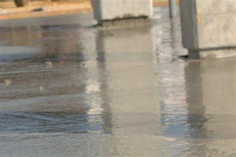 Posare Un Pavimento by Posare Un Pavimento In Cemento Con Impasto Autolivellante