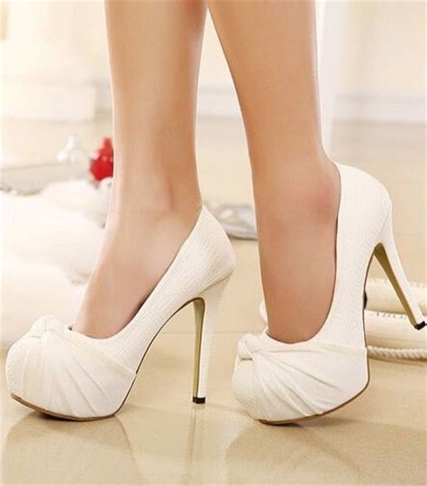 white wedding shoes brides   wore   wedding