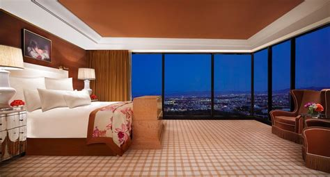 luxurious suites  las vegas bedrooms las