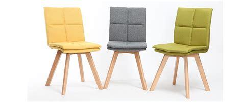 chaise de bureau noir chaise scandinave tissu gris pieds bois clair lot de 2
