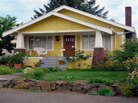 craftsman bungalow yellow craftsman bungalow small bungalow homes treesranchcom