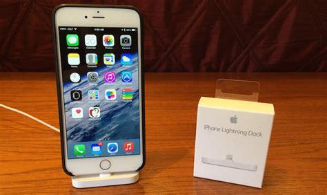 apple iphone lightning dock review simple design
