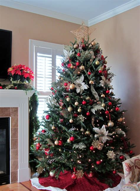Red And White Christmas Tree Decoration Ideas Nice