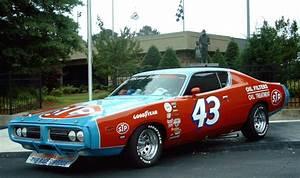 Richard Automobile : 1971 dodge charger nascar from richard petty racing pinterest 1971 dodge charger richard ~ Gottalentnigeria.com Avis de Voitures