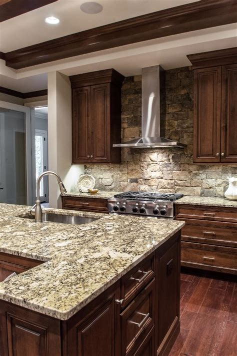 Creating A Nice Kitchen Style By Applying Stacked Stone