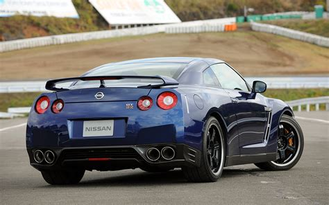 First Drive 2018 Nissan Gt R Track Pack Japanese Spec