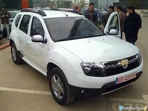 Dacia Duster Blanc : photos par couleur blanc glacier dacia forum marques ~ Gottalentnigeria.com Avis de Voitures